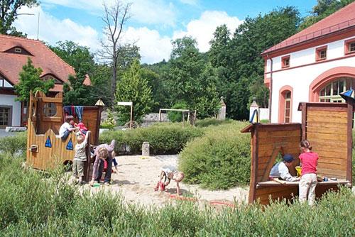 Spielplatz am Haus der Familie in St. Marienthal